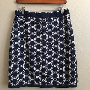 Ann tailor chain Embroidered pencil skirt size 4